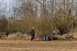 Dobrovolníci uklízeli v sobotu Orlík, z nádrže vytahali desítky tun odpadu.
