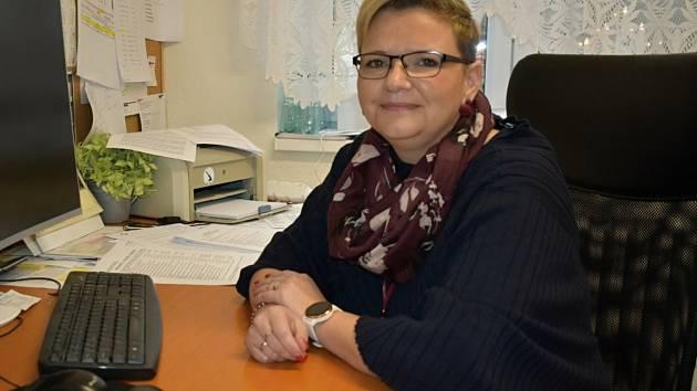 Mateřská škola v Knovízi funguje od roku 1975. Deset let pod vedením ředitelky Martiny Petržílové.