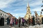 Zatímco předchozí ročníky se herecký soubor Divadla Lampion zúčastňoval masopustního průvodu do hornického skanzenu Mayrau, letošní masopustní oslavy si uspořádali po svém.