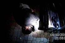 Strážníci zadrželi dva muže.