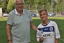 Kladenský pohár 2018 (U15), 29. 7. 2018, Ota Černý a nejlepší hráč Kladna Štěpán Kácl