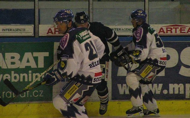 Radek Bělohlav (21) dal v Litvínově gól na 1:1.