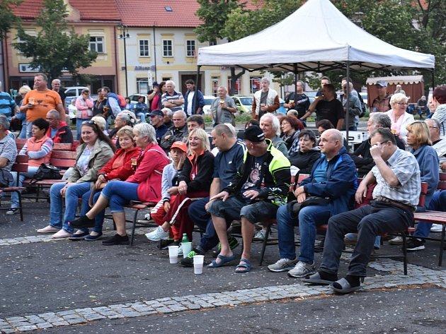 Koncert kapely Dřeváci vrámci Music on the Square.