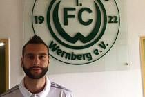 Mario Kolumbič v prostorách svého nového klubu 1. FC Wernberg