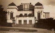Fotografie divadla pocházející z roku 1923.