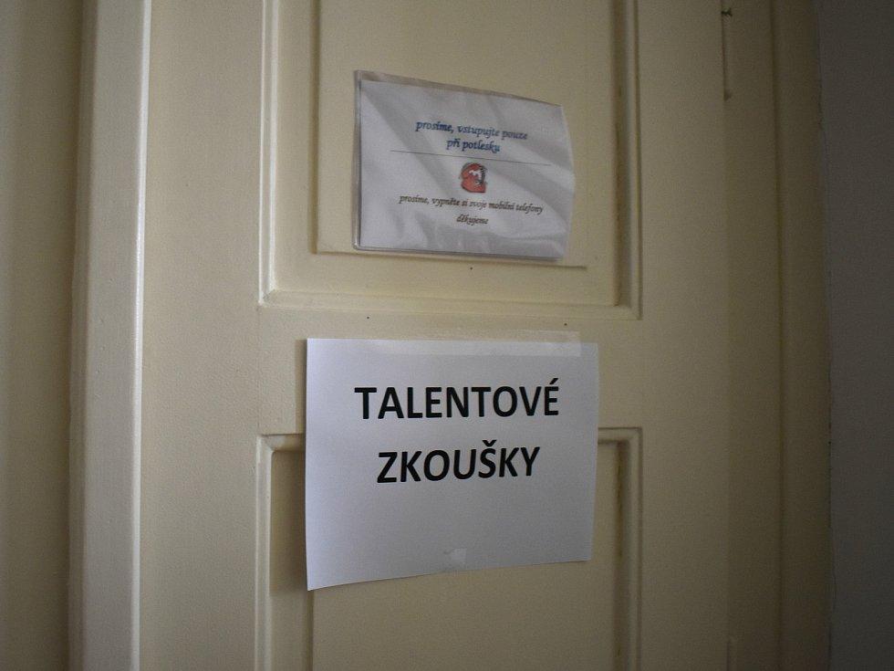Talentové zkoušky na základní umělecké školy.