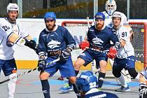 Hokejbalový zápas Páňa Cupu v Kladně: Kladno v modrém podlehlo Ústí nad Labem 1:2 v prodloužení.