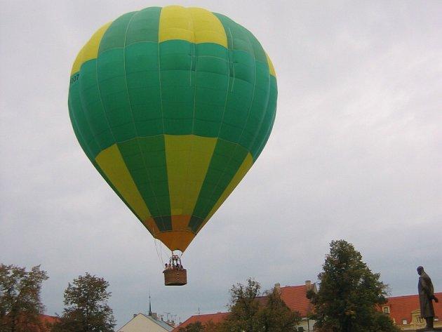 Balon nad Slaným.