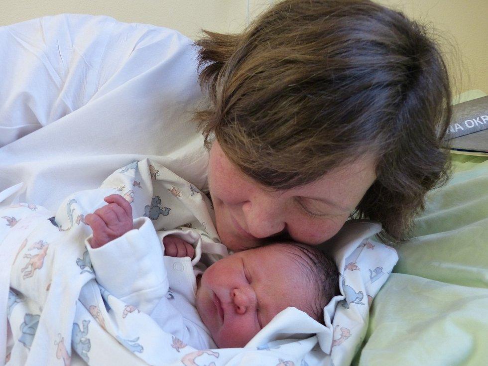 Zuzana Morávková se narodila 2. ledna 2021 v kolínské porodnici, vážila 2745 g a měřila 48 cm. V Cerhenicích ji přivítali bráškové Matěj (4), Kuba (2) a rodiče Petra a Jan.