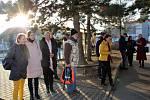 Ze slavnostního předání sociálního automobilu značky Dacia Dokker Soukromé mateřské, základní a střední školy Slunce v Unhošti.