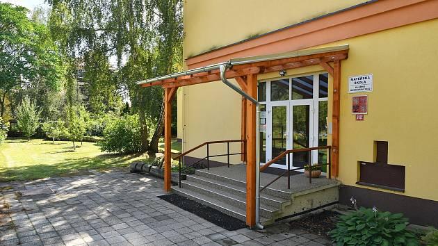 Úpravy škol a školek v Kladně zdárně pokračují.