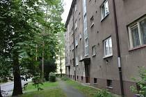 Dům v Helsinské ulici v Kladně, kde se vše odehrálo.