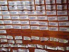 Policisté při domovní prohlídce objevili falešné bankovkly v hodnotě vyšší než 1,5 milionu korun.
