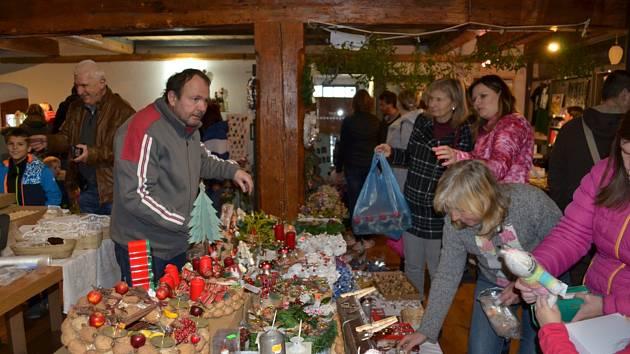 Tradiční vánoční prodejní výstava v Muzeu T.G. Masaryka v Lánech