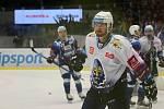 Hokejové Kladno hostilo v extralize Brno, Jaromír Jágr přivítal Tomáše Plekance. David Stach.