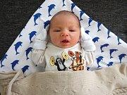 PAVLÍK FIKRLE, KLADNO. Narodil se 27. dubna 2018. Po porodu vážil 2,73 kg a měřil 45 cm. Rodiče jsou Eliška Francová a Pavel Fikrle. (porodnice Kladno)