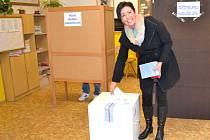TAKÉ VOLIČI Z KLADENSKA SLÁNSKA budou v pátek a sobotu rozhodovat o novém krajském zastupitelstvu.