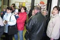 Pošta ve Smečně kolabuje. Její pracovnice zmizely a lidé marně čekají na zásilky i peníze.