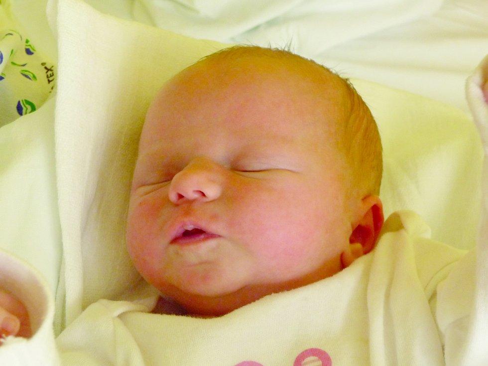 Vendula Conková, Kladno. Narodila se 23. dubna 2012, váha 2,97 kg míra 47 cm. Rodiče jsou Gabriela a Robert Conkovi. (porodnice Kladno)