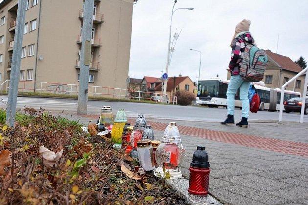 Policisté hledají svědky dopravní nehody, která se stala v noci už 28. října.