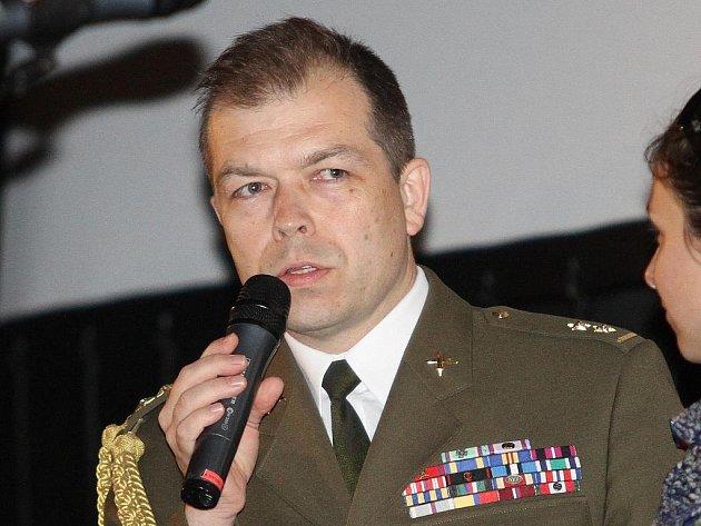 Vojenský historik pan Eduard Stehlík // LIDICE - oficiální premiéra v Lidické Galerii 9.6.2011
