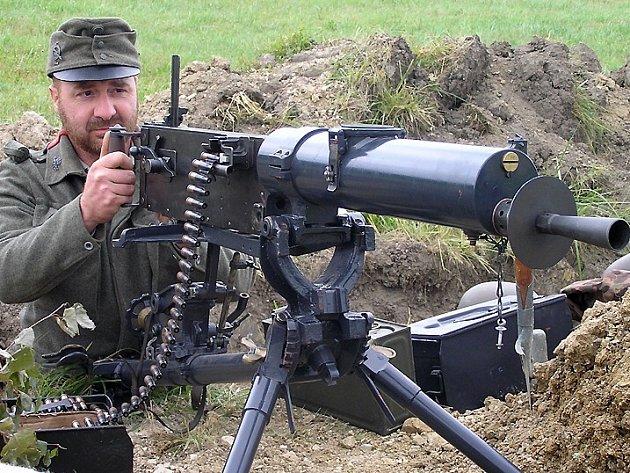 Odhodlané Čechoslováky nezastavil důmyslný systém zákopů vyzbrojených těžkými kulomety.