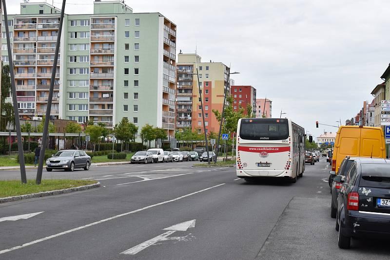 Autobusové zastávky u železniční stanice Kladno-město budou dočasně přemístěny k nemocnici.