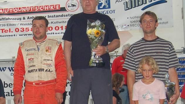 Jaroslav Hošek vyhrál letos poprvé - na bedně si to pořádně užil.