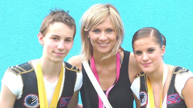 Kristýna Loušová, Tomáš Posekaný a trenérka Michaela Kottnerová.