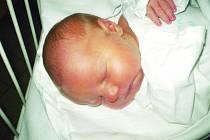 TADEÁŠ Malý, Kladno, 15.11.2011, míra:49cm, váha: 3,35 kg, rodiče jsou Hana Štrébová a Radek Malý, (porodnice Kladno)