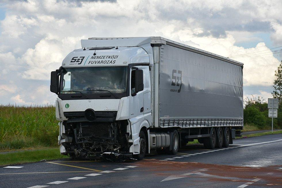 Vážná nehoda na silnici I/7 u Třebíze.