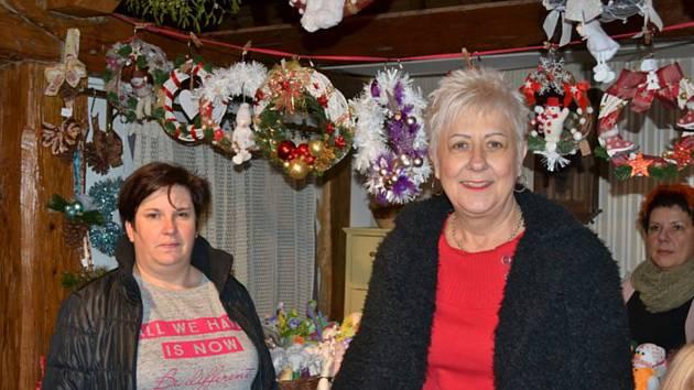 V Muzeu T. G. Masaryka v Lánech se v neděli konala vánoční prodejní výstava, která je návštěvníky vždy velmi vyhledávaná.
