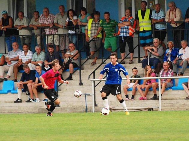 Vraný - Tatran Rakovník 4:4. Přišlo hodně lidí, kteří se bavili dobrým fotbalem a osmi góly.