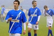 Zleva Jakub Roubal, Michal Rendla a Marek Tóth // SK Kladno - FC Písek  2:1 (0:0) , utkání 12.k. ČFL. ligy 2011/12, hráno 29.10.2011