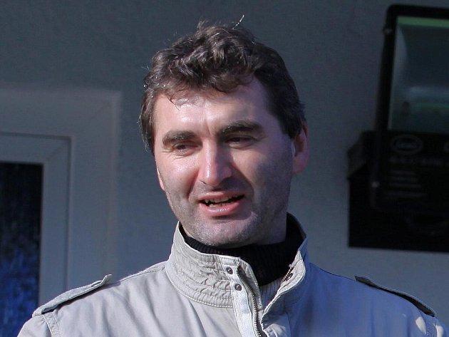 Utkání sledoval i Jan Suchopárek, po utkání se pozdravil ae Zdeňkem Haškem //  SK Kladno -  FK Kunice  2:2 (1:0) , utkání 14.k. CFL. ligy 2011/12, hráno 12. 11. 2011