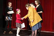CENU PRO DĚTSKÉHO HERCE  získala žákyně Základní školy Vašatova Nela Pihertová za víceroli v pásmu pohádek Jiřího Žáčka s názvem Žáčkoviny v podání divadelního souboru Klas.
