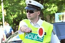 DODRŽUJTE PŘEDPISY. Na silnicích teď hlídkuje více policistů.