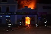 Požár rychlého občerstvení v Tyršově ulici v Kladně.