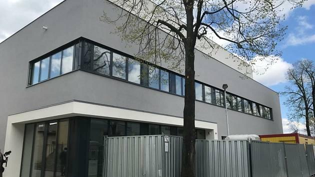 Nový depozitář krajské vědecké knihovny v Kladně dostává konkrétní podobu.