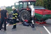 U Kalivod se srazil německý motorkář s traktorem