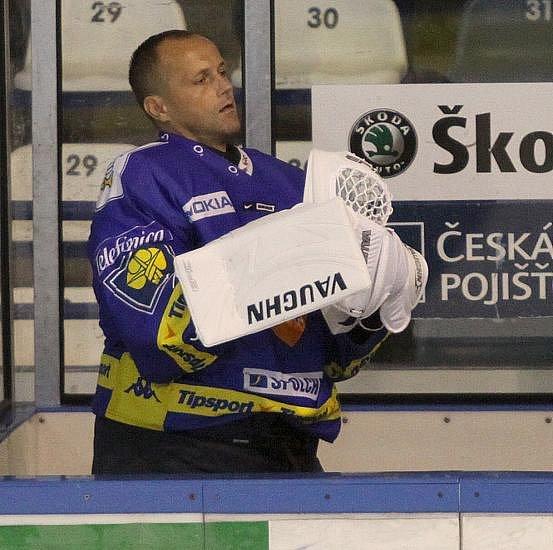 Exkladeňák Zdeněk Orct do utkání nezasáhl, ještě v loňské sezoně hájil barvy buldoků. V kladenském dresu podal mnoho výborných výkonů.