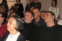 Na výstavě  nalezneme mimo jiné díla Romany Rotterové (zleva), Luďka Filipského a Michala Matzenauera.