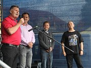 Do Slaného přijal pozvání i krajský radní pro dopravu František Petrtýl, vedle starosta Slaného Martin Hrabánek, ředitel Slánského okruhu Martin Nič a moderátor a motorismu fanda Berkovec Standa.