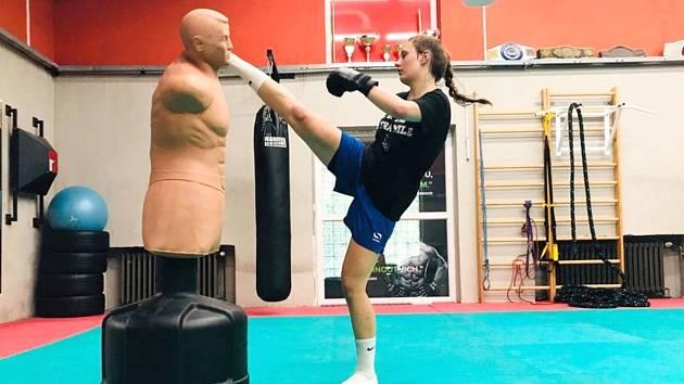Klaudie Kuboušková přešla z basketbalu na kickbox.