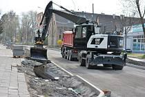 Opravy v ulici Milady Horákové v Kladně pokračují.