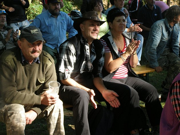 Charitativní festival Valdecký háj se konal v sobotu v Braškově.