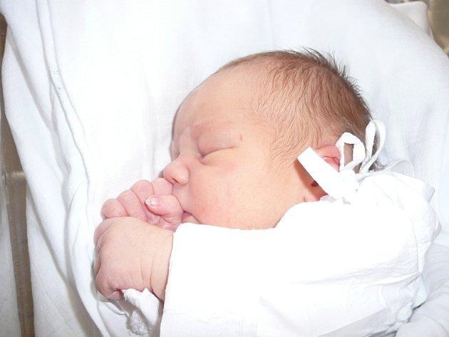 Karolína Pospíšilová, Kladno. Narodila se 3. října, váha 3,51 kg, míra 48 cm. Maminka je Martina Pospíšilová. (porodnice Kladno)