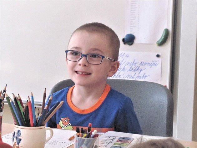 Zápisu na 2. ZŠ ve Slaném se účastnil také malý Tomášek.