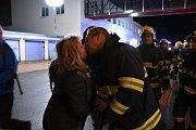 Slavnostní odchod hasičů pojali v Kladně ve velkém stylu.