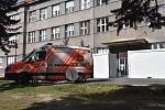Nemocnice Slaný je již plně vyzbrojena na boj s koronavirem, ve středu bude i porodnice.